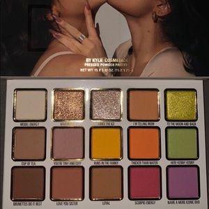 Kendall x kylie cosmetics eyeshadow palette
